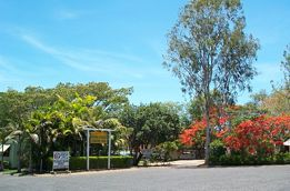 Mareeba Riverside Caravan Park Logo and Images