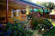 Cairns Bed and Breakfast Logo and Images