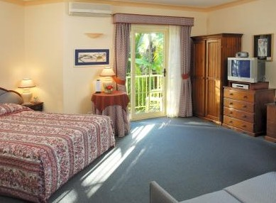Ulladulla Guest House Logo and Images