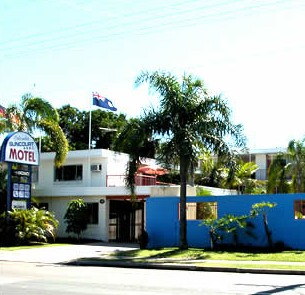 Caloundra Suncourt Motel Logo and Images