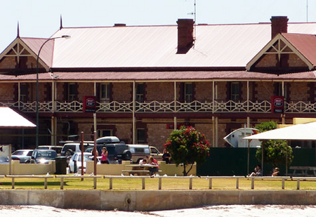 Tumby Bay Hotel And Seafront Apartments Logo and Images