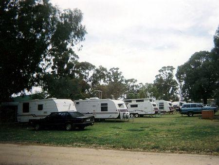 Jamestown Country Retreat Caravan Park Logo and Images