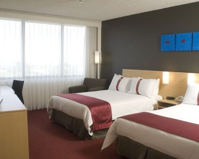 Holiday Inn Melbourne Airport Logo and Images