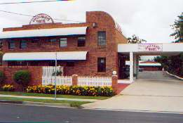 Aspley Pioneer Motel Logo and Images