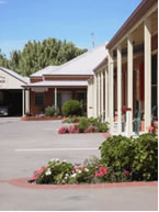 Yackandandah Motor Inn Logo and Images