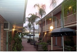 Yarrawonga Central Motor Inn Logo and Images