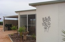 Luxury Vineyard Cottage on Pike River, Lyrup Logo and Images