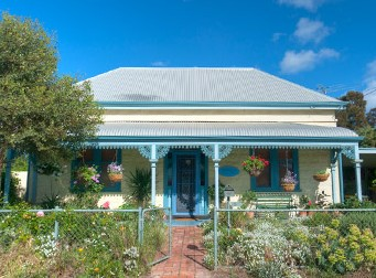 Semaphore Beach Cottage Bed and Breakfast Logo and Images