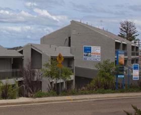 Horizon Apartments Narooma Logo and Images