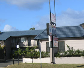 Pigeon House Motor Inn Ulladulla Logo and Images