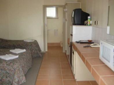 Ballarat Budget Motel Logo and Images