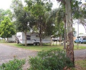 Grafton Sunset Caravan Park Logo and Images
