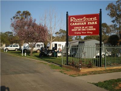 Euston Riverfront Caravan Park and Cafe Logo and Images