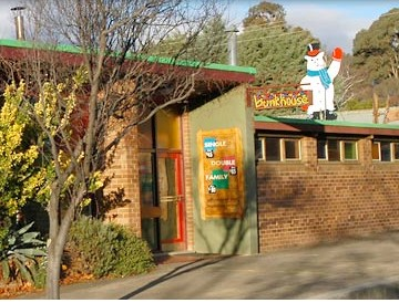Cooma Bunkhouse Motel Logo and Images