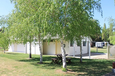 Snowy River Holiday Park Logo and Images