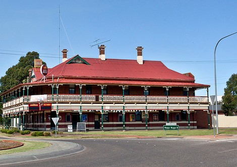 The New Coolamon Hotel Logo and Images