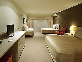 Mercure Maitland Logo and Images