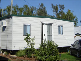 Blue Gem Caravan Park Logo and Images