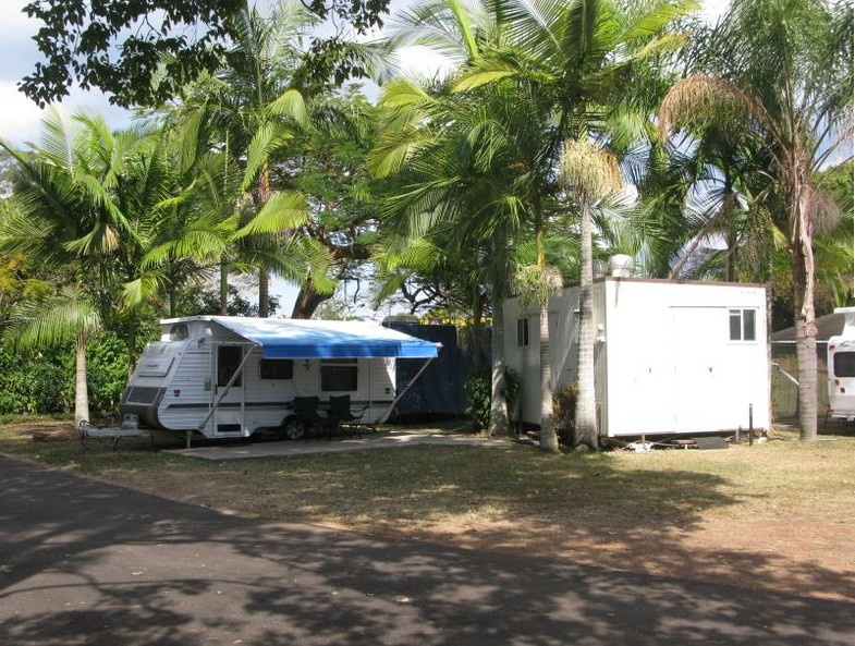 Huntsville Caravan Park Logo and Images