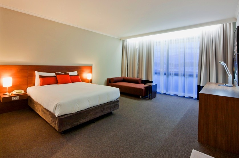 Ibis Styles Mt Isa Verona Logo and Images