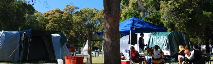 Straddie Holiday Parks Logo and Images