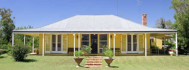 Nelgai Farm Bed and Breakfast Logo and Images