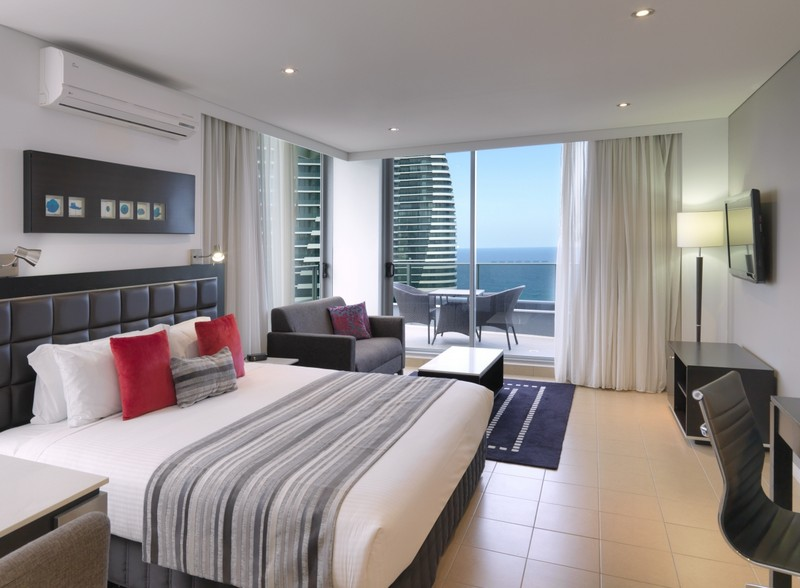 Meriton Serviced Apartments   Broadbeach