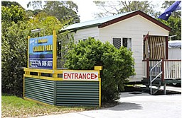 Beachmere Lions Caravan Park Logo and Images