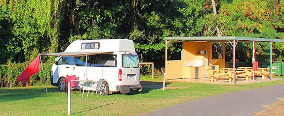Bell Park Caravan Park Logo and Images