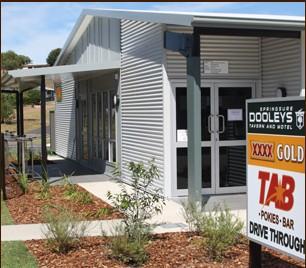 Dooleys Springsure Tavern and Motel Logo and Images