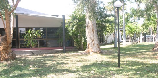 Airport Inn Townsville Logo and Images