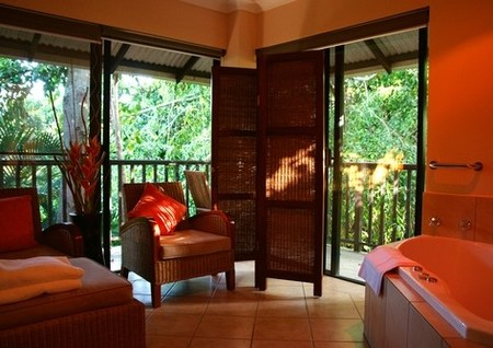 Hibiscus Gardens Spa Resort Logo and Images
