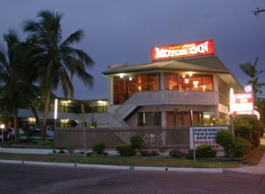 Tropical Gateway Motor Inn Logo and Images