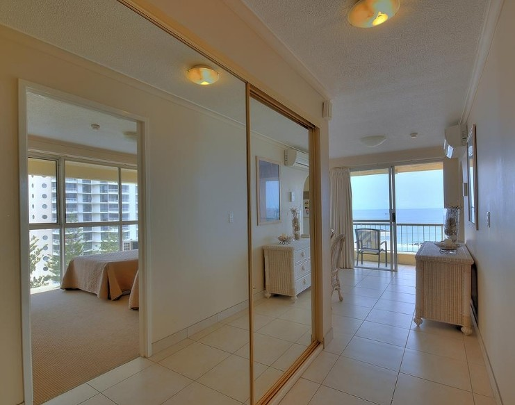 Surfers Beachside Holiday Apartments Logo and Images