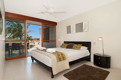 Offshore Noosa Resort Logo and Images