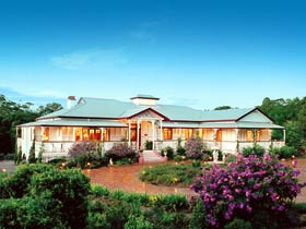 Buderim White House Bed And Breakfast Logo and Images