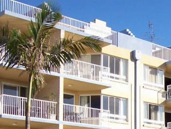 Mainsail Holiday Apartments Logo and Images