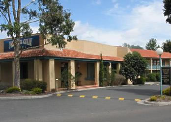 Ferntree Gully Hotel Motel Logo and Images