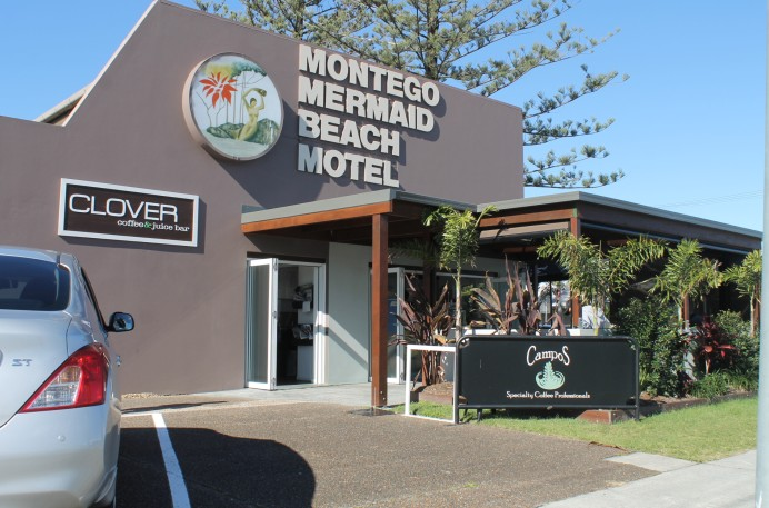 A' Montego Mermaid Beach Motel Logo and Images