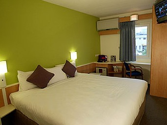 Hotel Ibis Newcastle Logo and Images