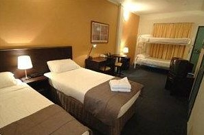 Best Western Hotel Unilodge Sydney Logo and Images