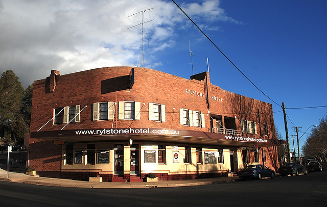 Rylstone Hotel Logo and Images