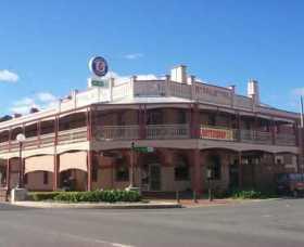 Royal Hotel Corowa Logo and Images