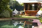 Waratah Brighton Boutique Bed and Breakfast Logo and Images
