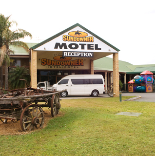 Sundowner Hotel Logo and Images