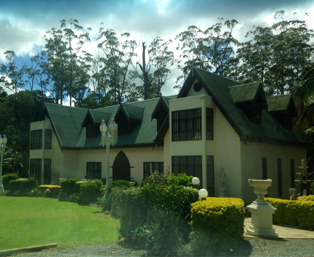 Mt Tamborine Stonehaven Guest House Logo and Images