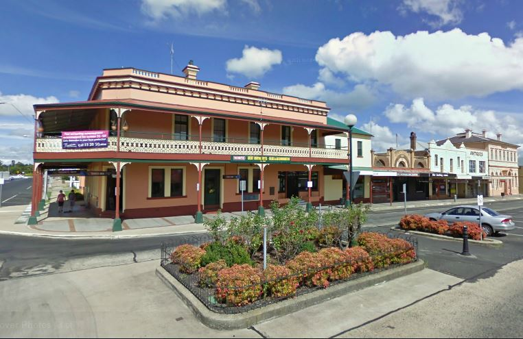 Murrumbidgee Hotel Logo and Images
