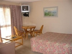 Best Western Beaumaris Bay Motel Logo and Images