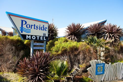 Golden Chain Portside Motel Logo and Images