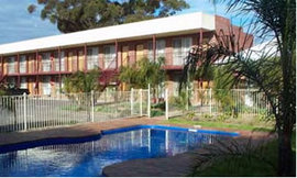 Moama Tavern Palms Motel Logo and Images